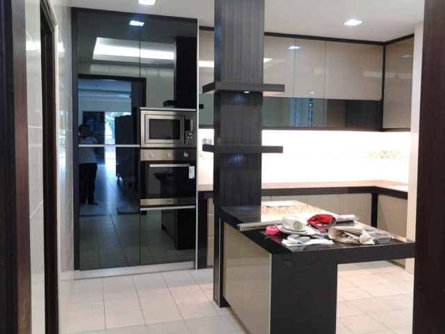Kitchen 4g glass carpentry renof gallery for Kitchen cabinets 4g