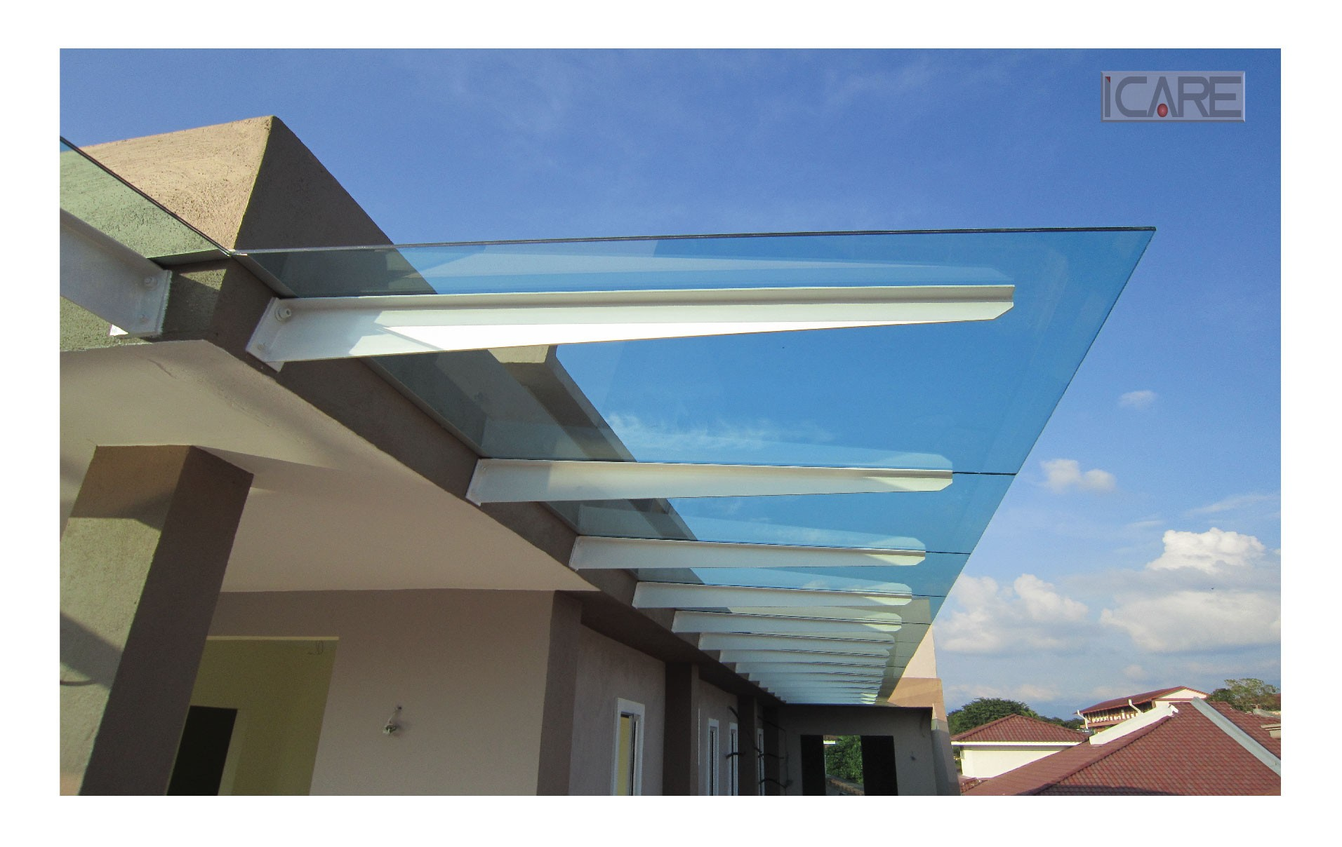 Awning polycarbonate renof gallery for Glass roof design